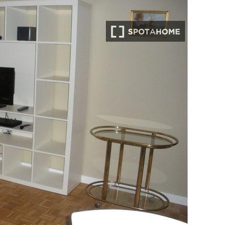 Rent this 2 bed apartment on Rue Willems - Willemsstraat 23 in 1210 Saint-Josse-ten-Noode - Sint-Joost-ten-Node, Belgium