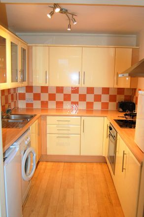 Rent this 2 bed apartment on Ark Blacklands Primary Academy in Osborne Close, Hastings TN34 2HU
