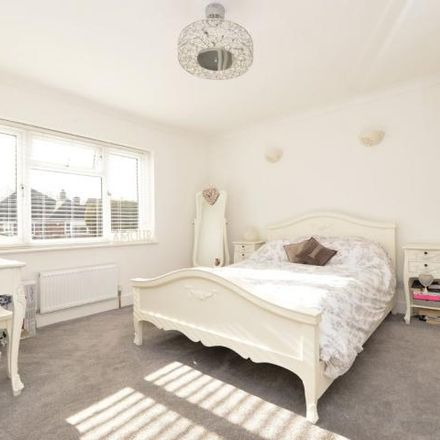 Rent this 3 bed house on Highridge Crescent in New Milton BH25 5BU, United Kingdom
