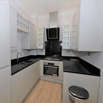 Rent this 2 bed apartment on 60 St George's Square in London SW1V 3QU, United Kingdom