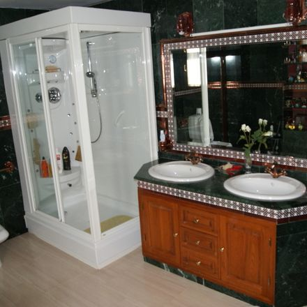 Rent this 1 bed room on Calle Pañoleta in 41089 Dos Hermanas, Spain