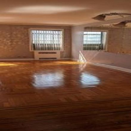 Rent this 2 bed condo on 125 Hawthorne Street in New York, NY 11225