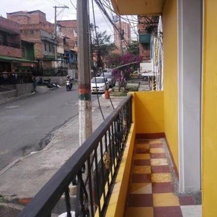 Rent this 2 bed apartment on Carrera 69 in Comuna 5 - Castilla, Medellín