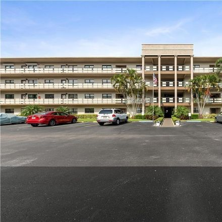 Rent this 2 bed condo on 80th St N in Saint Petersburg, FL