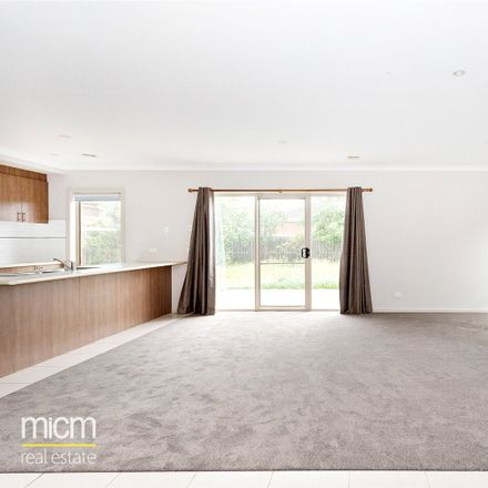 Rent this 4 bed house on 5 Windorah Drive