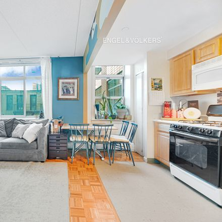 Rent this 3 bed apartment on Bradhurst Ave in New York, NY