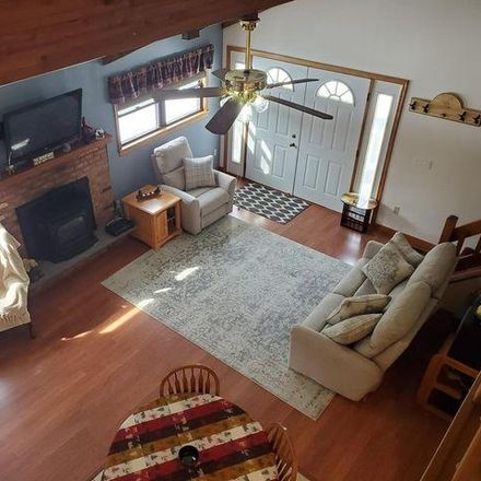 Rent this 3 bed house on 370 Oak Hill Road in Fawn Lake Forest, PA 18428