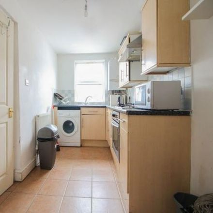 Rent this 3 bed apartment on Demirci Perde Designed Curtains in Stoke Newington High Street, London N16 7PL