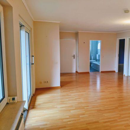 Rent this 3 bed apartment on 61381 Friedrichsdorf