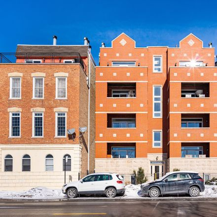 Rent this 2 bed condo on West Augusta Boulevard in Chicago, IL 60622