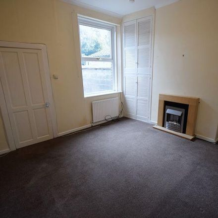 Rent this 3 bed house on Station Retail Park in Crown Fireplace Centre, 2 Currock Street