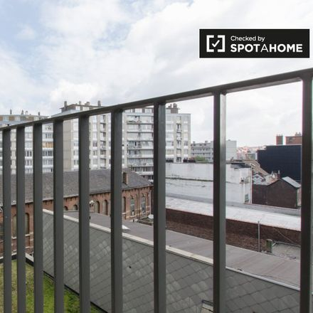 Rent this 2 bed apartment on Le petit Madou in Rue de la Charité - Liefdadigheidsstraat, 1210 Saint-Josse-ten-Noode - Sint-Joost-ten-Node