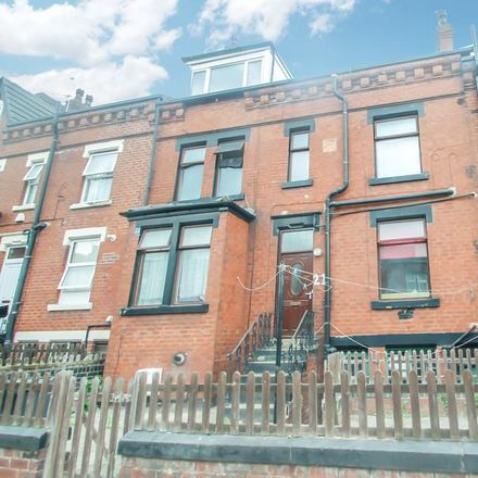 Rent this 1 bed apartment on 17 Fairford Terrace in Leeds LS11 5EQ, United Kingdom