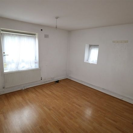 Rent this 2 bed apartment on Lake View in London, HA8 8AB