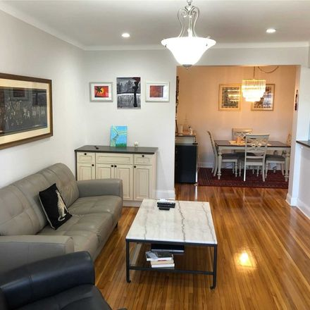 Rent this 2 bed condo on 123-35 82nd Road in New York, NY 11415