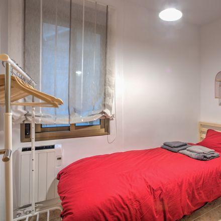 Rent this 4 bed room on Avinguda de Ramón y Cajal in 16, 43001 Tarragona