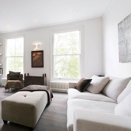 Rent this 3 bed apartment on Chesterton Road in London W10, United Kingdom