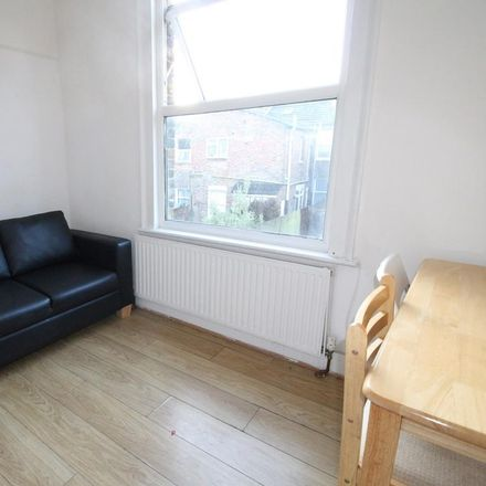 Rent this 3 bed apartment on Dudden Hill in Chapter Road, London NW2 5LY