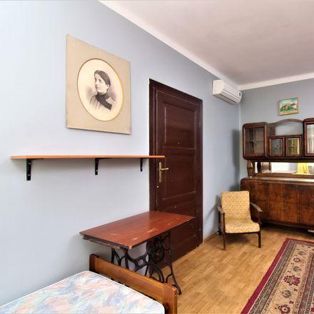 Rent this 3 bed room on Basztowa 17 in 31-143 Krakow, Poland