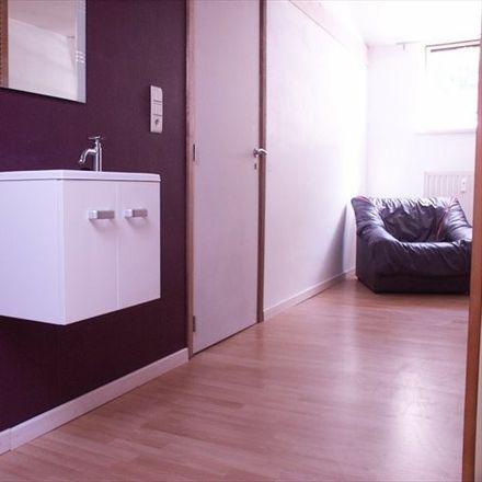 Rent this 4 bed room on Rue de Gembloux in Namur, Belgium