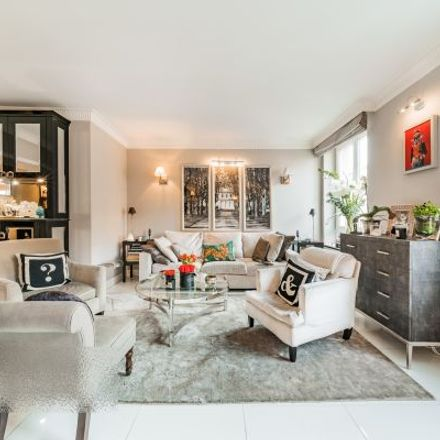 Rent this 6 bed apartment on Caffe a casa in Hoher Markt, 1010 Vienna