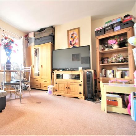 Rent this 1 bed apartment on 288 Oxford Road in Reading RG30 1AY, United Kingdom