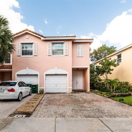 Rent this 3 bed townhouse on Landings Way in Fort Lauderdale, FL