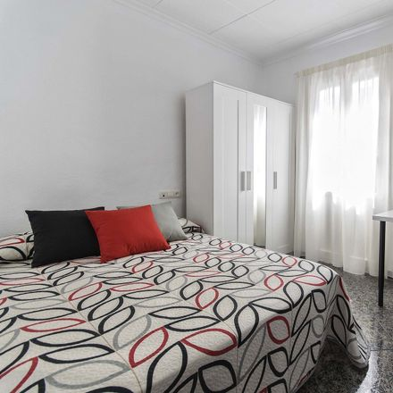 Rent this 5 bed room on Carrer Tomas Capelo in 19, 03550 Sant Joan d'Alacant