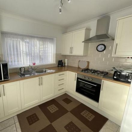 Rent this 3 bed house on Graigfelen Primary School (S) in Brynteg, Clydach SA6 5EA