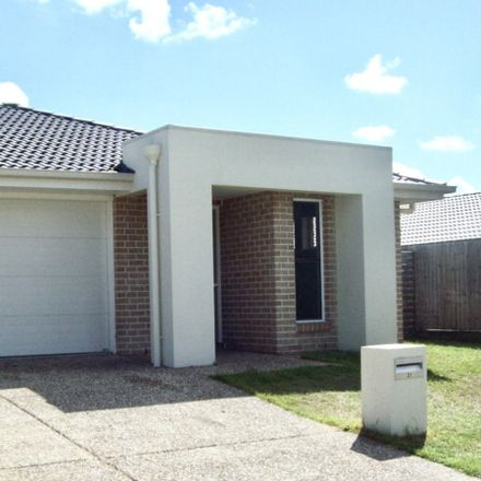Rent this 3 bed house on 31 Coldstream Way