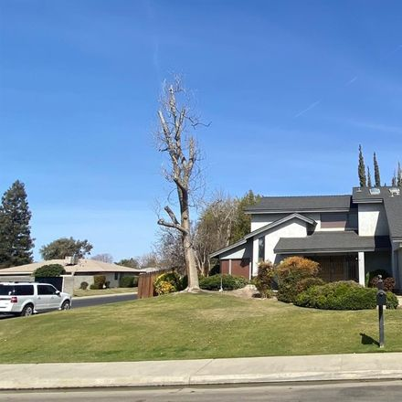 Rent this 4 bed house on 7816 Selkirk Drive in Bakersfield, CA 93309