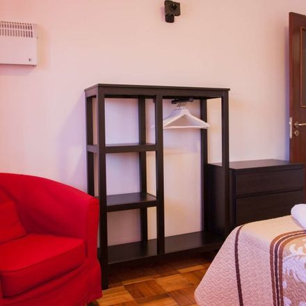 Rent this 2 bed room on Smarties - Centro de Estudos in Rua do Monte Alegre 261, 4250-255 Cedofeita