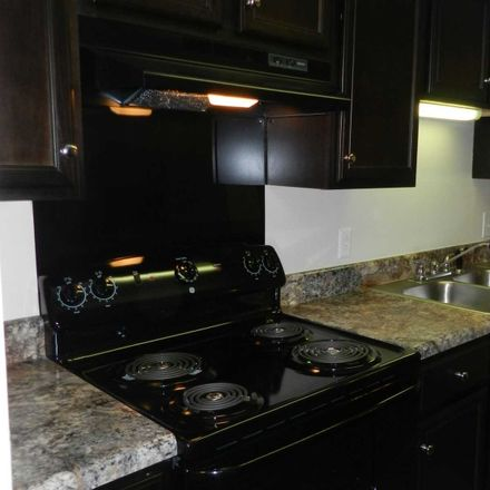 Rent this 3 bed apartment on 873 Windsor Green Boulevard in Goodlettsville, TN 37072