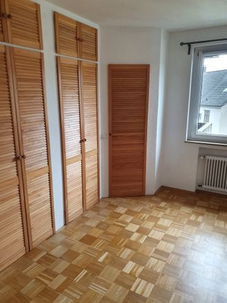 Rent this 3 bed apartment on Krayer Straße 34b in 45276 Essen, Germany