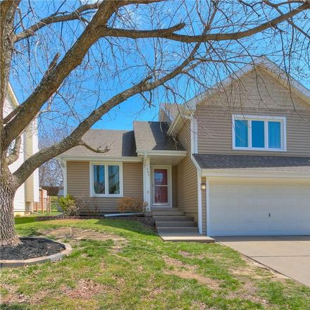 Rent this 3 bed house on 545 53rd Street in West Des Moines, IA 50266