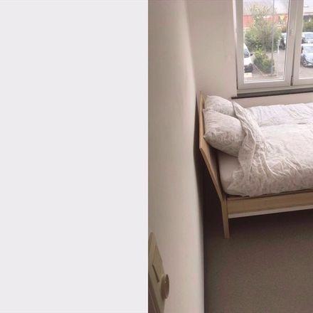 Rent this 4 bed room on Avenue de la Gare in 1300 Wavre, Belgium