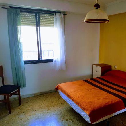 Rent this 4 bed room on Carrer de Mossén Cuenca in 46013 Valencia, Spain
