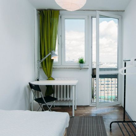Rent this 3 bed room on Grzybowska 5 in 00-132 Warsaw, Poland