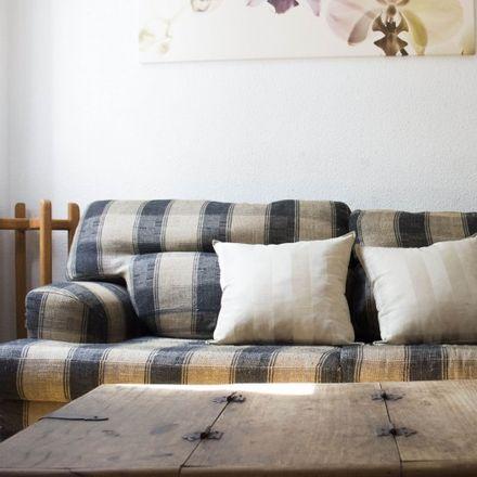 Rent this 2 bed apartment on Esmeralda in Calle de la Victoria, 1