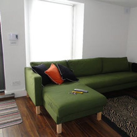 Rent this 2 bed room on Rathmines Rd Upper in Dublin, Irlanda