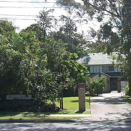 Rent this 2 bed townhouse on 2/51 Benowa Road