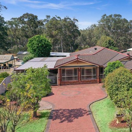 Rent this 6 bed house on 32 Campsie Street