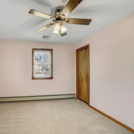 Rent this 3 bed house on 1120 Folsom Avenue in Prospect Park, PA 19076