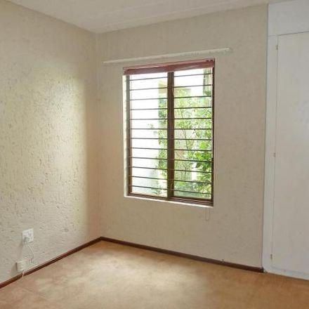Rent this 2 bed townhouse on Von Weilligh Street in Johannesburg Ward 60, Johannesburg