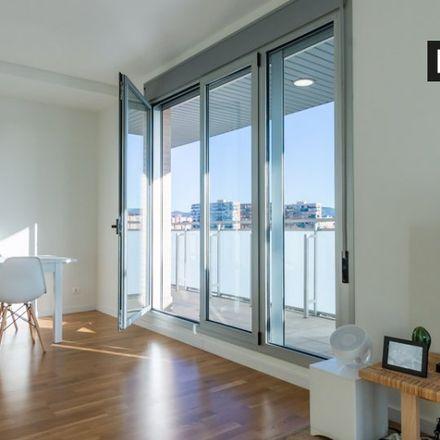 Rent this 2 bed apartment on Jardí de Can Tondo in Avinguda de la Catalana, 08930 Sant Adrià de Besòs