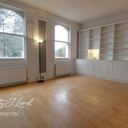 Rent this 3 bed apartment on 26 Thornhill Crescent in London N1 1BJ, United Kingdom