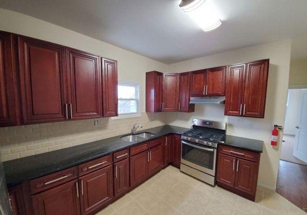 3 bed apartment at 184 Clinton Place, Newark, NJ 07112 ...