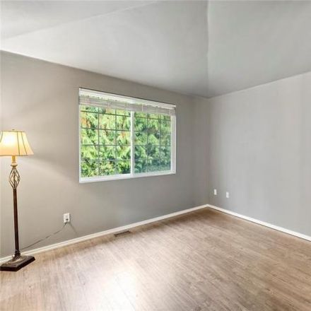 Rent this 3 bed condo on Cherry Way in Everett, WA 98204
