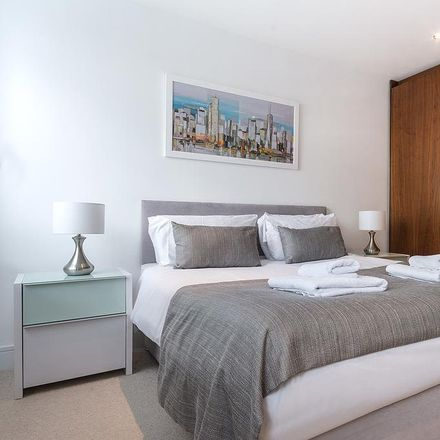 Rent this 1 bed apartment on Duckman Tower in 3 Lincoln Plaza, London E14 9BL