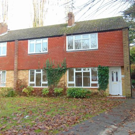 Rent this 2 bed apartment on Langton Close in Maidenhead SL6 6HR, United Kingdom